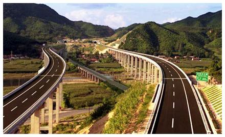 奇石峡漂流位于辽宁省丹东市凤城刘家河镇蛟洋峪村,漂流河道长